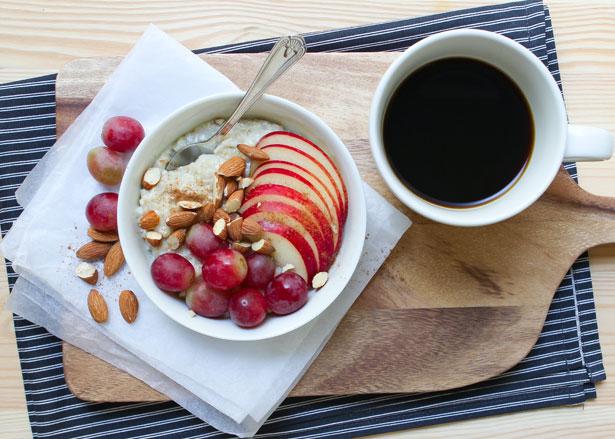 Porridge classico con frutta