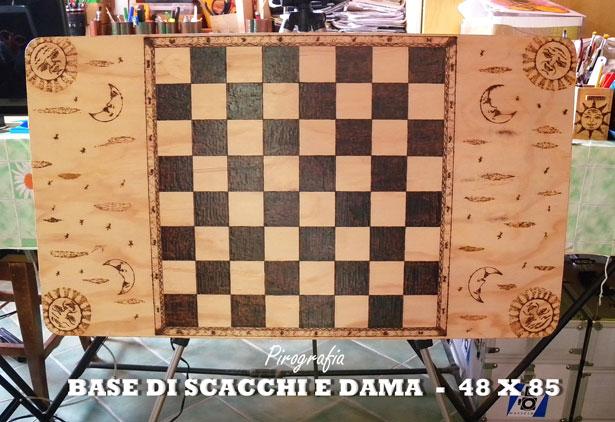 scacchiera in legno pirografia