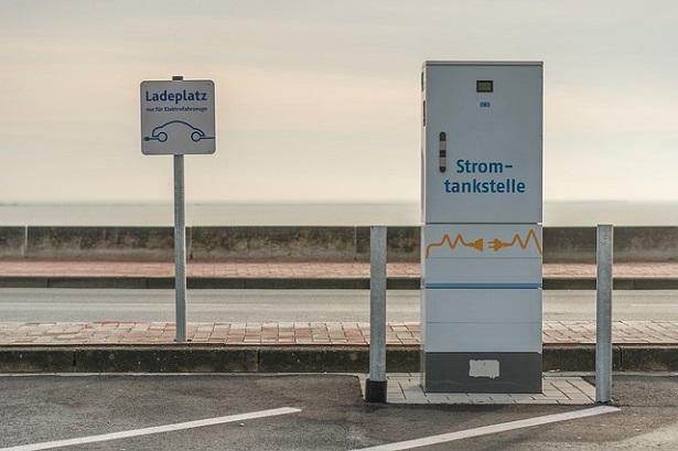 colonnina di ricarica per auto elettriche